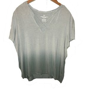 American Eagle Outfitters | green ombre soft tee